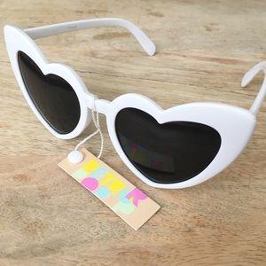NWT Cat Eye Heart Shaped Sunglasses WHITE